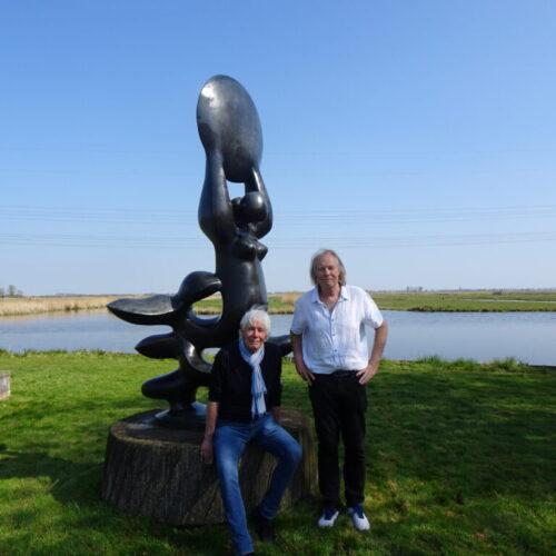 cabaretier Paul van Vliet bezoekt museum en beeldentuin NIc Jonk