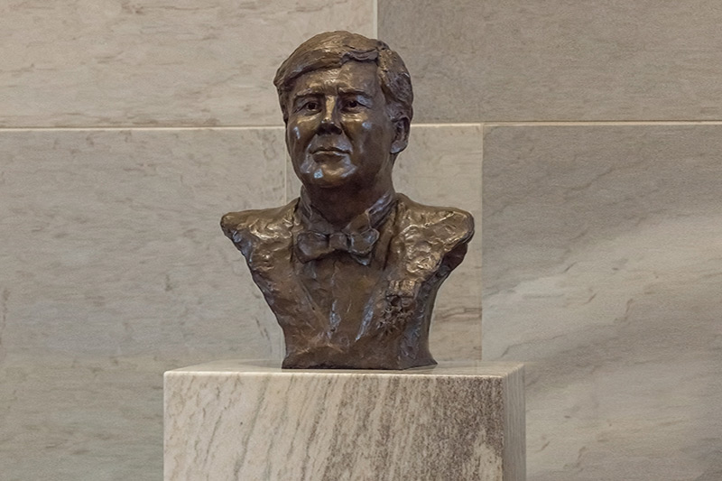 Bronzen-portret-Willem-Alexander2x3-1